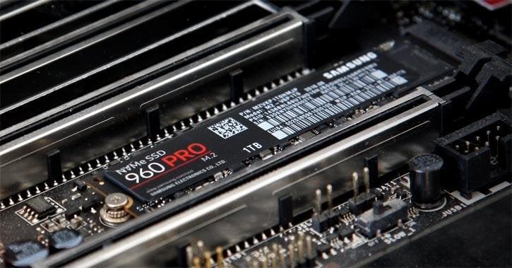 NVMe SSD installieren